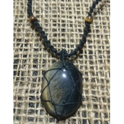 Tiger Eye makrame pendant