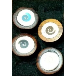 Wooden rings with shell